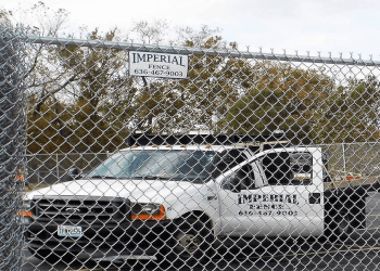 St Louis fencing contractor Imperial Fence, Inc.
