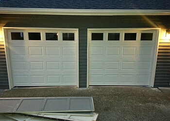 3 best garage door repair in tacoma wa threebestrated for Garage door repair tacoma