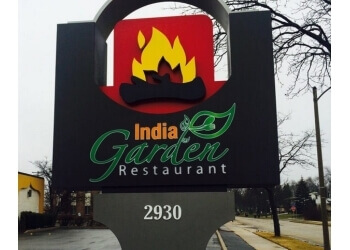 Milwaukee indian restaurant India Garden