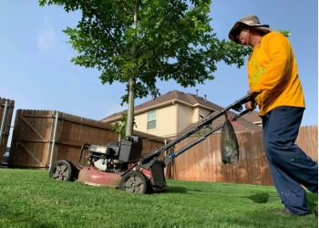 Fort Worth lawn care service Integra Lawns
