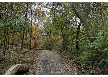 New York hiking trail Inwood Hill Park