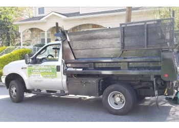 Yonkers lawn care service Itzel Ahoqui Lawn Service