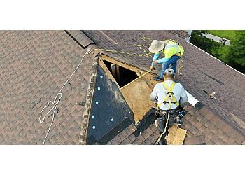 Laredo roofing contractor J M Flores Roofing & Construction, Inc