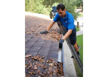 San Jose window cleaner JR's Window Cleaning & Gutter Cleaning