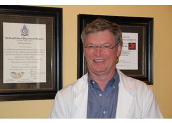 Huntsville pain management doctor  James Thacker, MD
