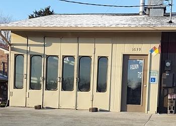 Knoxville auto body shop Jeff McCown's Body Shop