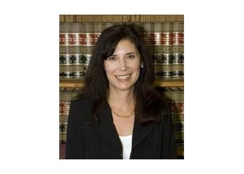 Escondido estate planning lawyer Jennett Maniscalco