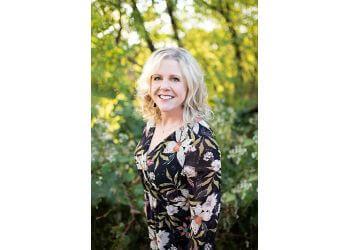 Minneapolis dentist Jennifer Herbert, DDS - J & D DENTAL