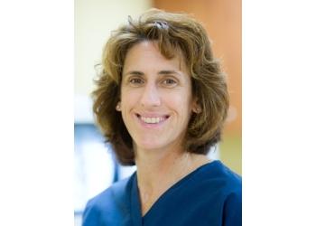St Petersburg pain management doctor Jennifer M Burns, MD