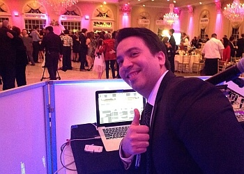 Jersey City dj JERON MUSIC DJ & PHOTO BOOTH ENTERTAINMENT