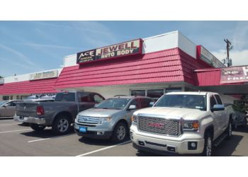 3 best auto body shops in lakewood co threebestrated for Best auto body paint shop