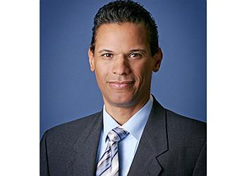 Oxnard gynecologist Johannes Ramirez, MD