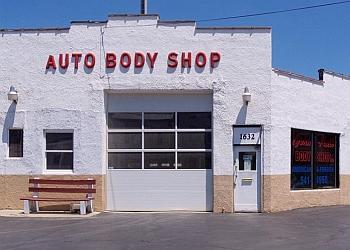 Cincinnati auto body shop John Hall Body Shop Inc.
