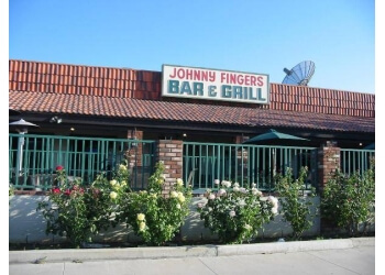 Victorville sports bar Johnny Fingers Sports Bar & Grill