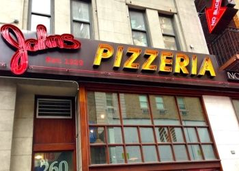 New York pizza place John's Pizzeria