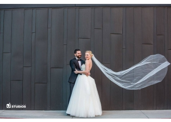 Reno wedding photographer Johnstone Studios