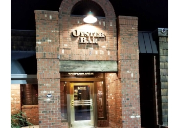 Peoria seafood restaurant Jonah's Seafood House