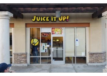 Corona juice bar Juice It Up!