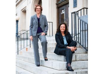 Durham divorce lawyer Julie Woodmansee - Woodmansee & Szombatfalvy, PLLC.