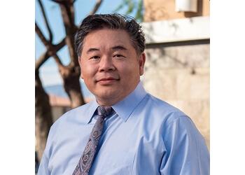 Ontario plastic surgeon Kaming Li, MD