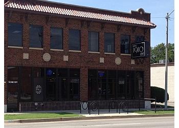 Oklahoma City cafe Kamp's 1910 Café