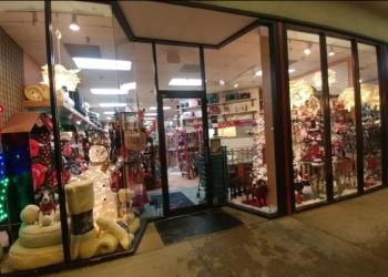 Akron gift shop Karen's Hallmark Shop