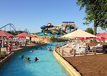 Louisville amusement park Kentucky Kingdom