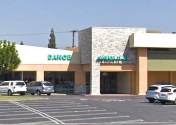 Long Beach dance school Kick It Up