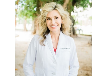 Honolulu orthodontist Kimi S. Caswell, DDS, MS - CASWELL ORTHODONTICS