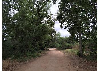 Escondido hiking trail Kit Carson Park Trail