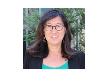 Portland therapist Kyong Yi, LCSW - Portland Psychotherapy