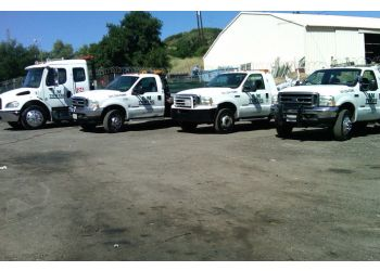 Santa Clarita towing company L&M TOWING