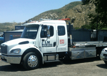 Santa Clarita towing company L & M TOWING