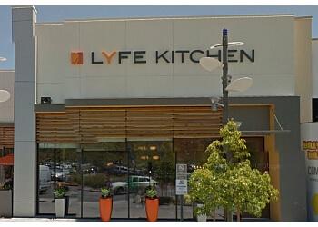 Santa Clarita vegetarian restaurant LYFE Kitchen
