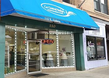 Aurora bakery La Central Bakery