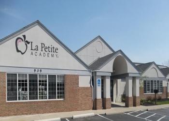 Columbus preschool La Petite Academy