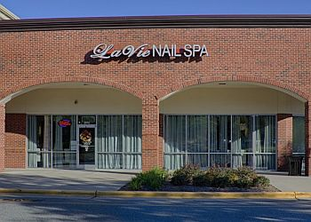 Durham nail salon La Vie Nail Spa