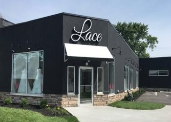 Cincinnati bridal shop Lace Bridal Couture