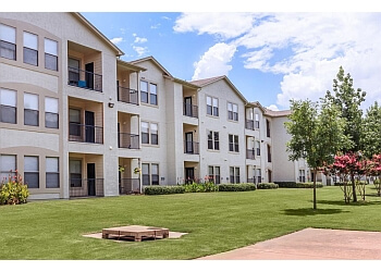 Grand Prairie apartments for rent Landings Of Carrier Parkway Apartments