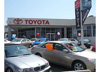 Corona car dealership Larry H. Miller Toyota Corona