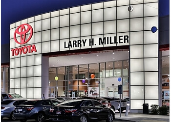 Peoria car dealership Larry H. Miller Toyota Peoria