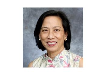 Honolulu endocrinologist Laurie Tom, MD