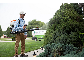 Albuquerque lawn care service Lawn Doctor Inc.