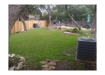 San Antonio lawn care service LawnStarter