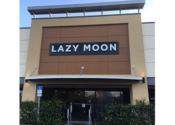 Orlando pizza place Lazy Moon