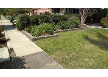 San Diego lawn care service Le Perv Landscape Inc.