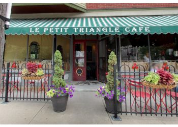 Cleveland french cuisine Le Petit Triangle Cafe