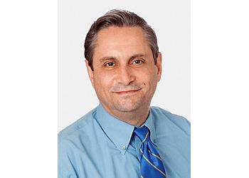 Glendale endocrinologist Leon Kujmanian, MD