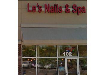 Memphis nail salon Le's Nails & Spa