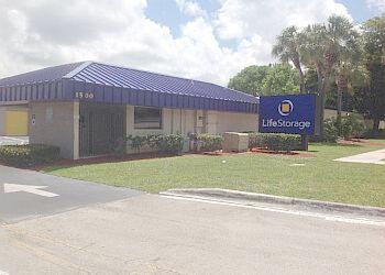 Pompano Beach storage unit Life Storage